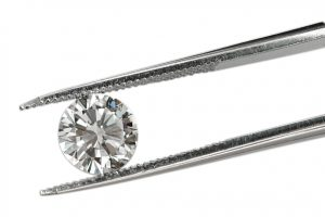 diamond in tweezer